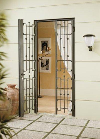 Finextra riccione finestre persiane ed oscuranti for Porte di sicurezza