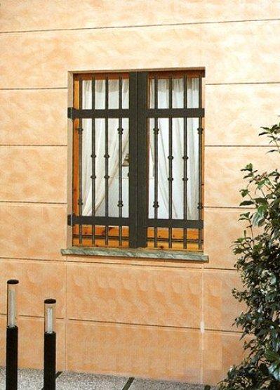 Finextra riccione finestre persiane ed oscuranti for Immagini inferriate